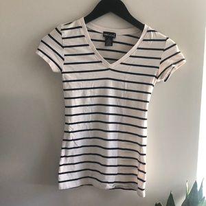 🌷3 for 30🌷Wet seal white t-shirt w/black stripes